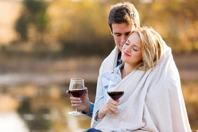 Arezzo couple drink wine